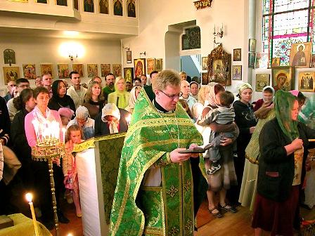[Image: prayer-at-liturgy.jpg]